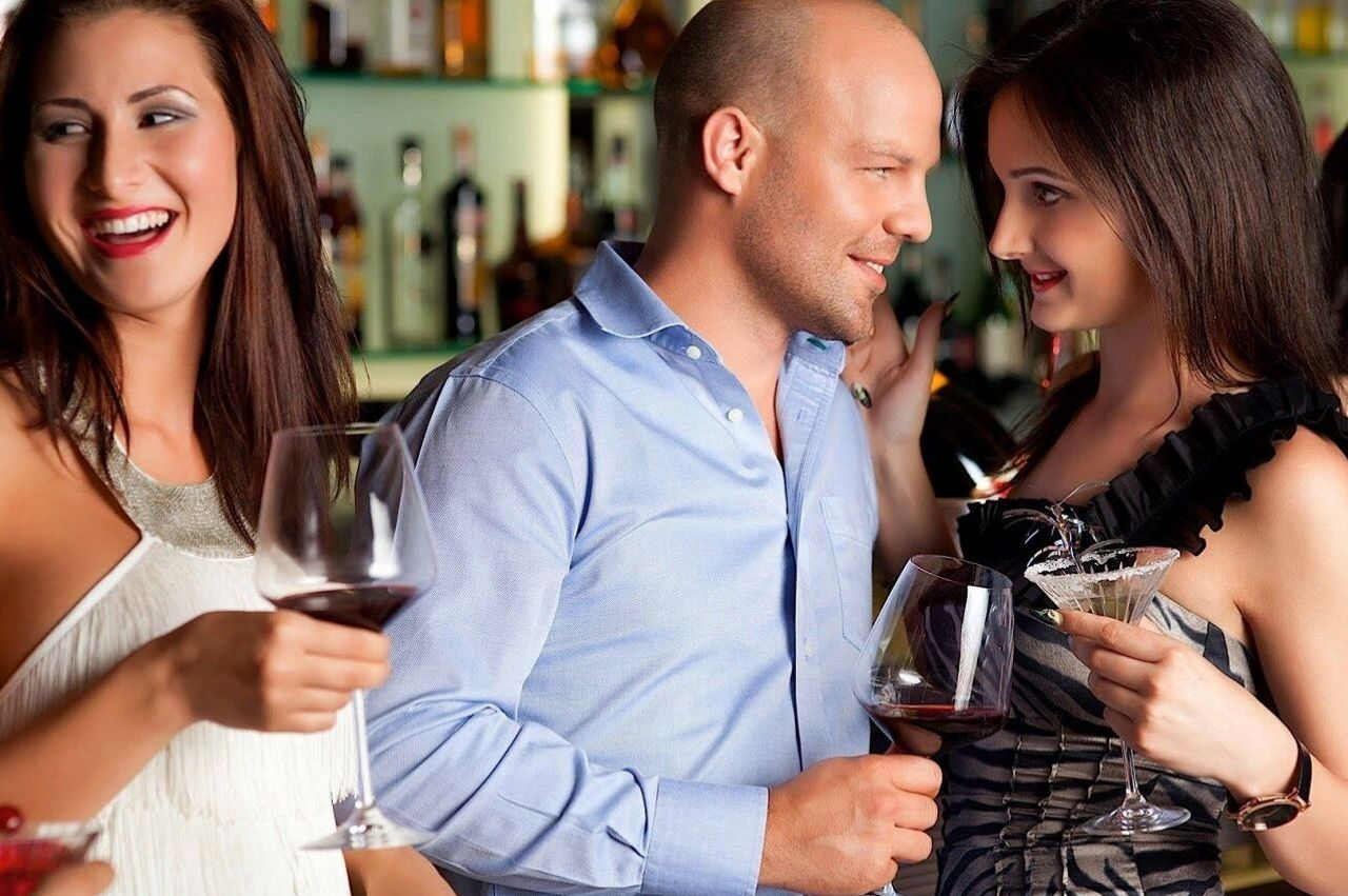Brisbane Singles Bar Hopping Age 30 to 49