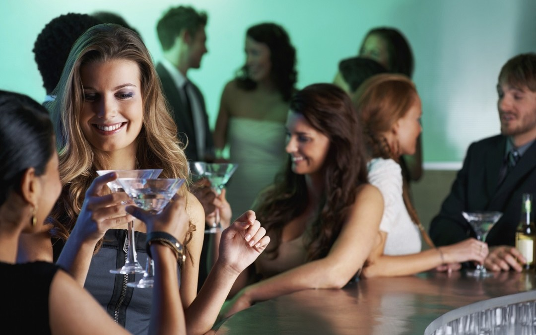 Dating Advice for Women on How to Attract and Be Attractive to Men